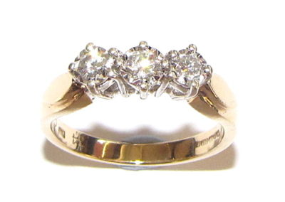 9ct yellow gold 3 stone diamond ring