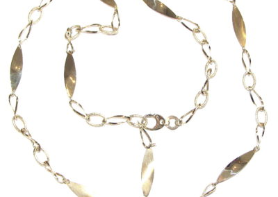 18ct yellow gold leaf necklace