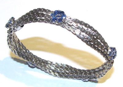 14ct white gold sapphire bangle