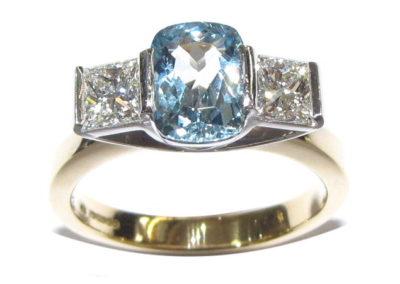 18ct yellow and white gold 3 stone diamond and aquamarine ring