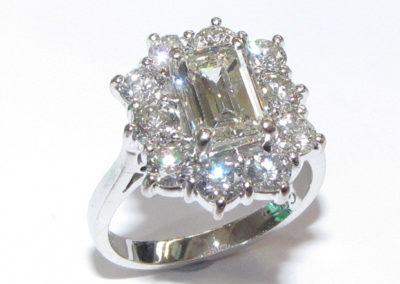 18ct white gold 11 stone diamond ring