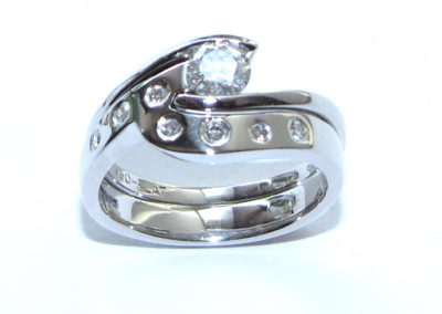 Curvy fitted wedding ring