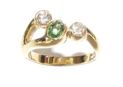 18ct yellow gold diamond and tsavorite garnet ring