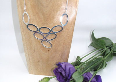Silver ovals necklace