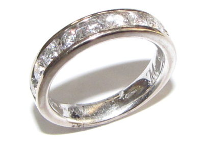 18ct white gold 10 stone diamond eternity ring