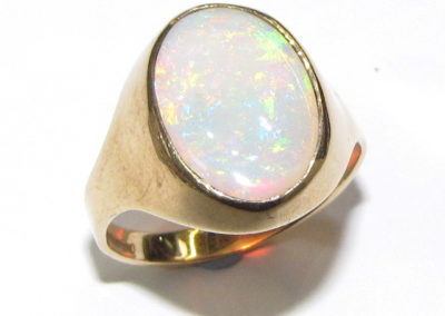 9ct yellow gold opal signet ring