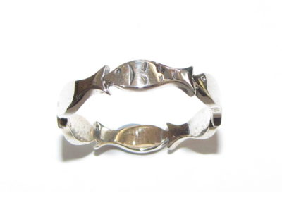 silver fishy ring