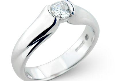 18ct white gold semi rub-over diamond ring