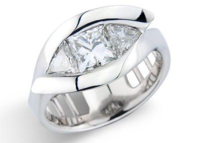 Platinum rollercoaster ring