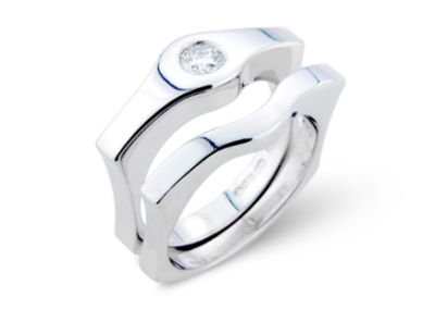 18ct white gold fitted wedding and engagement ring set